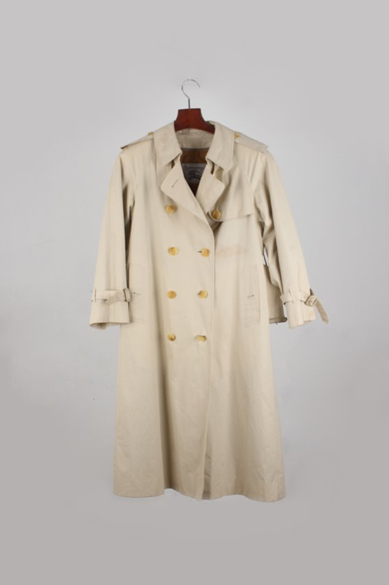Burberrys Trench Coat (woman)