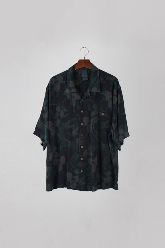 Pigment Dying Custom Hawaiian Shirt (2XL)